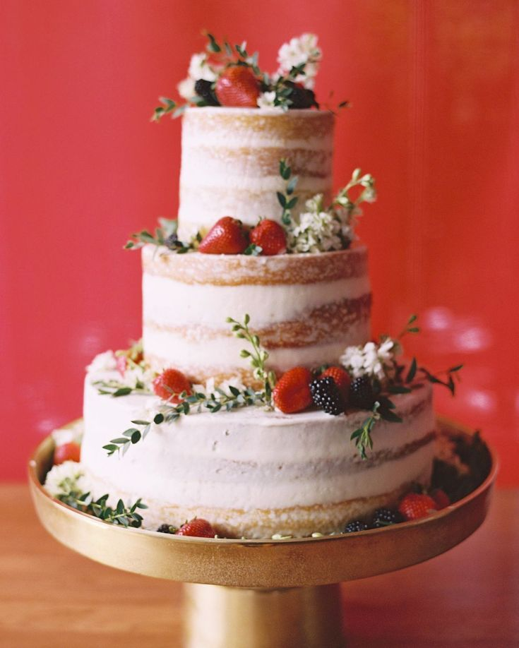Taylor and Johan served a naked vanilla shortcake with strawberries and blackberries at their wedding. Cake by Christine Clancey photo: @ashleysawtelle  event planning & design by @lovethisdayevents. by snippetandink