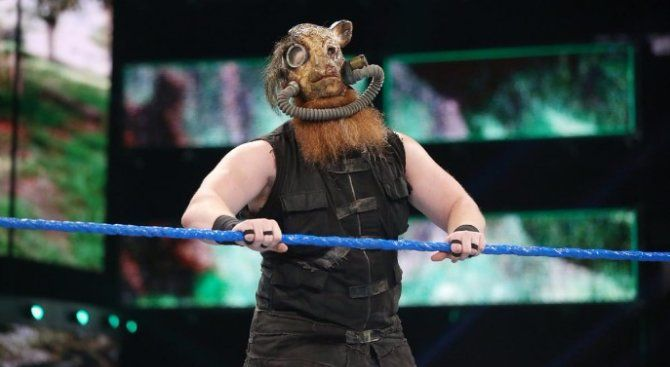 Erick Rowan Working On New Clown Gimmick During WWE Live Events