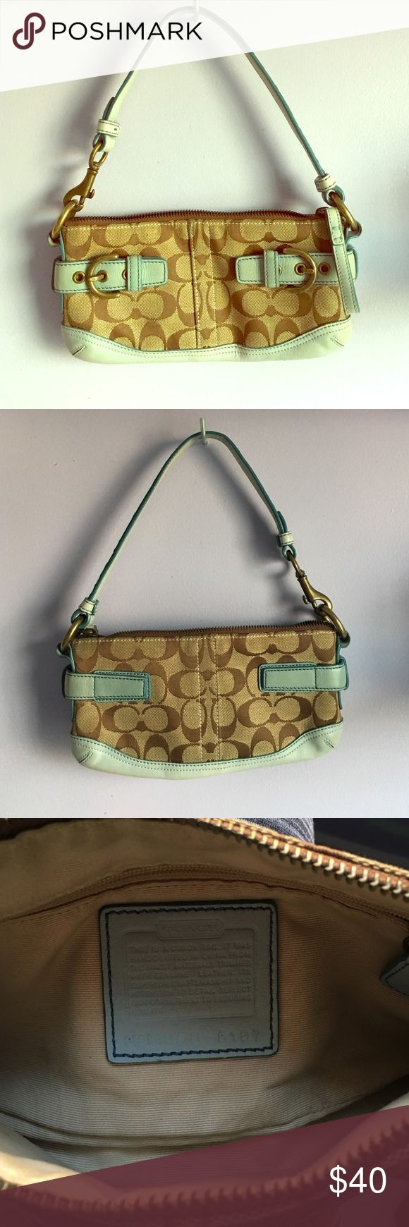 Coach Shoulder Bag Great condition! Coach Bags Shoulder Bags