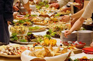Servicio de catering para la organización de fiestas y eventos, contamos con un sólido equipo con pasión por lo que hace, donde nuestro principal objetivo es que cada evento sea único.