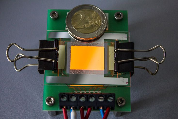 GENIO Italiano Giuseppe Cotellessa: OLED electrodes made from graphene for the first t...