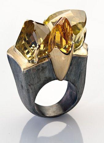 Bia Vasconcellos Ring