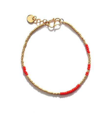 Anni Lu armbånd - ASYM RED - 299 kr. be-fanshinable.com