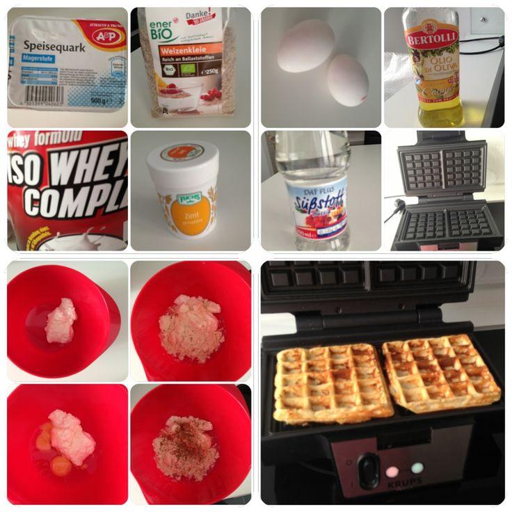 Low carb Waffeln a la Size Zero! Ladies vermischen folgendes in einer Rührschüssel: 1- 1,5 Esslöffel Magerquark, 0-20 g Weizenkleie je nach dem in welcher Woche ihr euch befindet, 1gehäuften Esslöffel Wheyprotein Vanille, Zimt soviel ihr mögt, 1-2 Eier, einen Spritzer Süßstoff wer mag! Alles mit einem Schneebesen gut vermengen und mit einer kleinen Kelle in das vorher eingefettete und vorgeheizte Waffeleisen geben! Ca. 2-4 Minuten backen! TARAAAAAAA Die Waffeln sind fertig