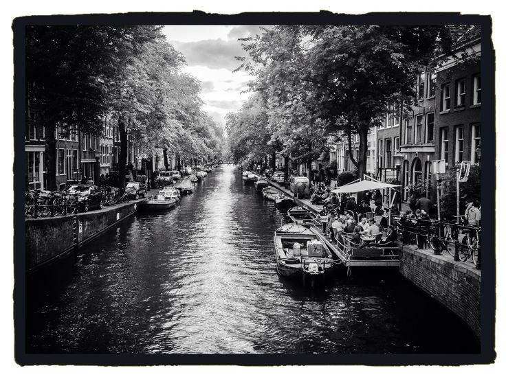 Amsterdam, canal. Gracht in Amsterdam.
