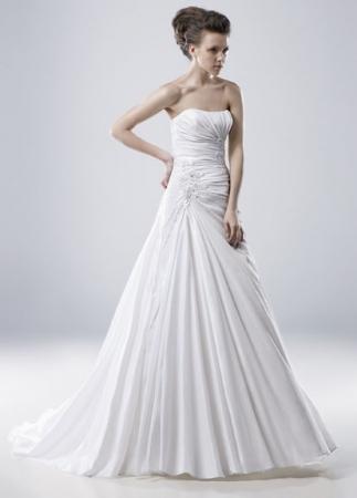 Igen Szalon Modeca wedding dress - Mildred #igenszalon #Modeca #weddingdress #bridalgown #eskuvoiruha #menyasszonyiruha #eskuvo #menyasszony #Budapest