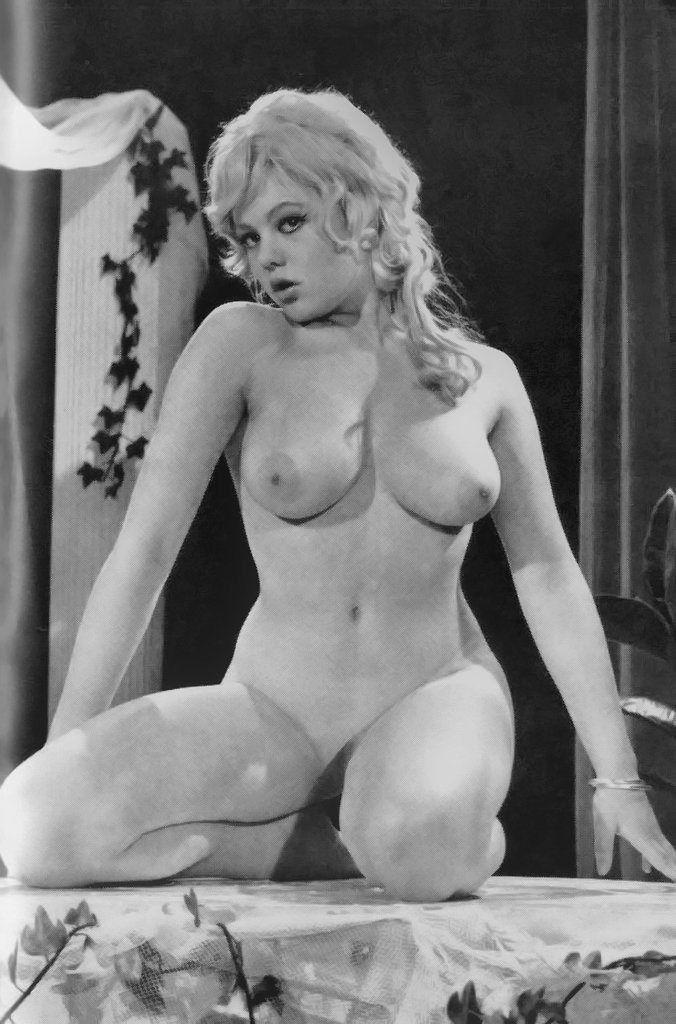 Ayesha julka nude pics