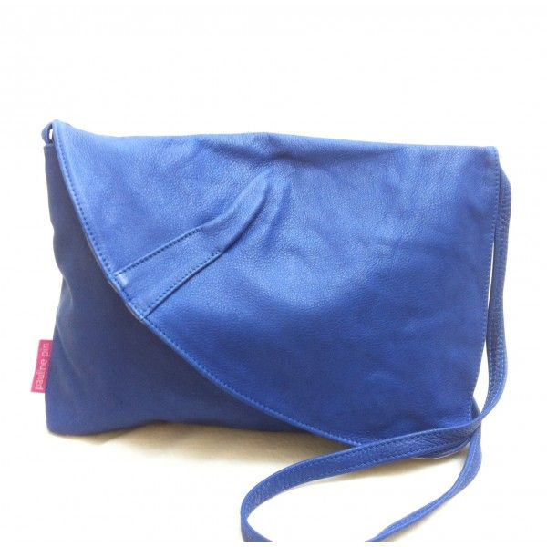 Bolso Grande De Piel Colgado Bouquet France.  Azul klein. Follow us on www.facebook.com/chicplace.es