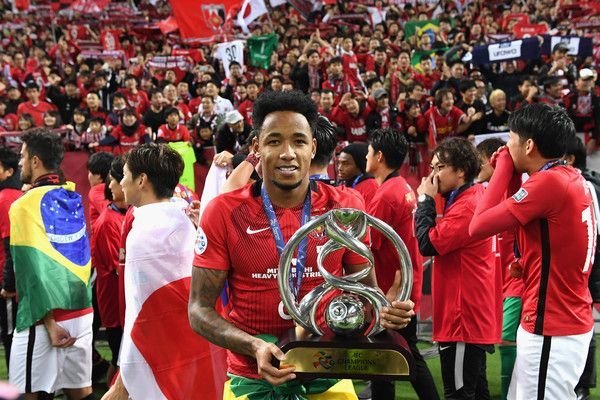 Rafael Silva of Urawa Red Diamonds celebrates with the trophy after the AFC Champions League Final second leg match between Urawa Red Diamonds and Al-Hilal at Saitama Stadium on November 25, 2017 in Saitama, Japan.