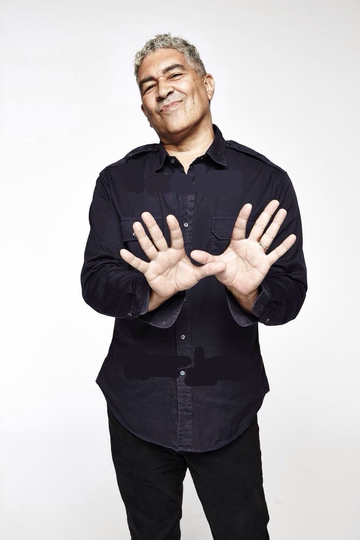 Pat Smear (August 5, 1959) American singer and guitarist, o.a. known from the bands Nirvana and The Foo Fighters.
