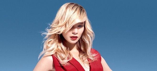 Trendy we fryzjerstwie 2017. Jak co sezon kreatorzy mody fryzjerskiej mają do zaoferowania wiele śmiałych propozycji. Blond, grzywki, odważne cięcia.