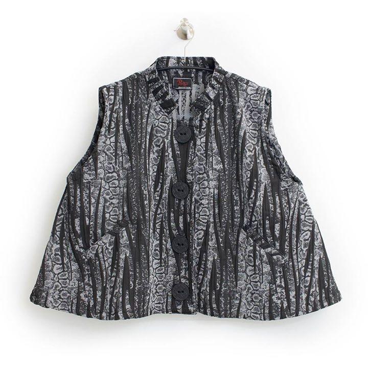 Kurze A-Form #lagenlook Weste von Prisa Viskose  Große Größe 44-46  10990 (Inkl. MwSt. & Versand) --- JETZT SHOPPEN  https://seelenlook.de --- #fashion #fashionlover #highfashion #style #stylish #mode #outfit #womanstyle #plussize #plussizefashion #boho #bohostyle #bohochic