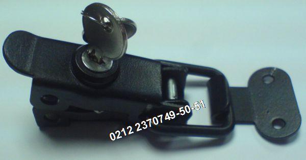 Anahtarli Gergi Kilit AB17 Satış Telefonu 0212 2370749 - Anahtarli Gergi Kilit : Bu anahtarli gergi kilit modeli gererek çekme ihtiyaciyla; dolap kiliti Jeneratör kapak kilidi santral dolap kilidi kaput kilidi saç saklama dolabi kapak kilidi benzeri saç kasali kabinlerde kullanilir. Boyali gergi kilidi haricinde, galvaniz kaplamali gergi kilit parlak nikelajli gergi kilit için arayiniz 0212 2370749 - Diger gergi kilit modelleri ve gergi kilit satisi için arayiniz 0212 2370749