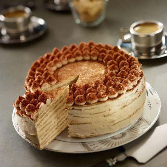 Recette de Gâteau de crêpes façon tiramisu par Francine. Découvrez notre recette de Gâteau de crêpes façon tiramisu, et toutes nos autres recettes de cuisine faciles : pizza, quiche, tarte, crêpes, Fr, ...