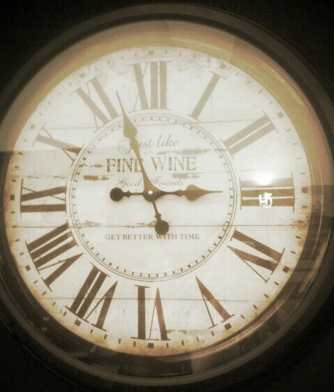 Wise old clock