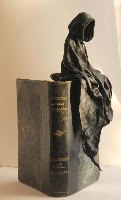 Leather sculpture by Kerstin Melin www.kerstinmelin.com