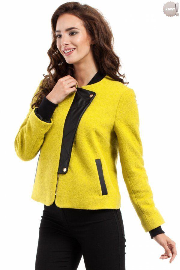 Ciepła kurteczka / żakiet ze ściągaczami przy szyi i u dołu rękawów, z ozdobną klapą ze skóry ekologicznej, na podszewce. #żakiet #elegancki #kurteczka #limonkowa #kobieta #moda #trendy