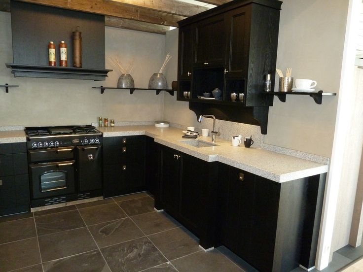 Prachtig zwarte landelijke keuken, Odink Keukens Tynaarlo, http://odinkkeukens.nl/