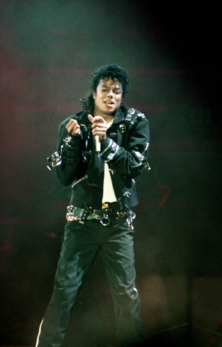 """Bad""- Rome 1988 | Michael jackson bad tour, Michael ..."