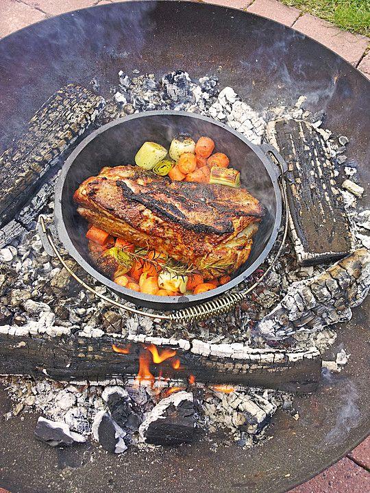 Dutch Oven Schweineschulter, ein schmackhaftes Rezept aus der Kategorie Schmoren. Bewertungen: 2. Durchschnitt: Ø 3,8.
