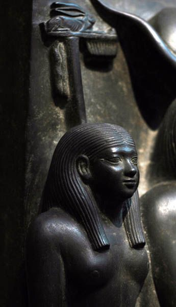 Men-Kau-Re (c. 2551-2523 BC), 5th king of the 4th Dynasty, Old Kingdom. Men-Kau-Re was the throne name of the son of Khafre and the grandson of Khufu, the 4th and 2nd kings of the 4th dynasty, respectively. detail