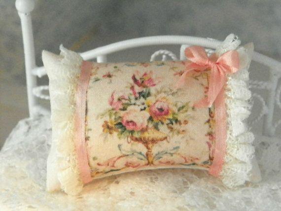 dollhouse shabby chic miniatures pillows by Mondinadollhouse