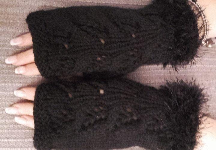 Knitted stylish fingerless gloves, fingerless mittens buy Milevknitting #HandmadebyMilevknitting #Mittens