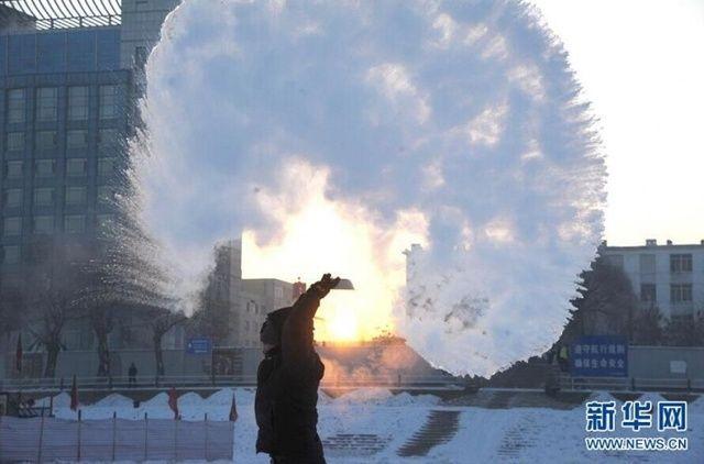 """最冷一天!全国各地的""""冰封时代""""-凤凰新闻"""