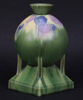"""Roseville Pottery Futura Balloons Globe 8"""" Vase 404-8"""
