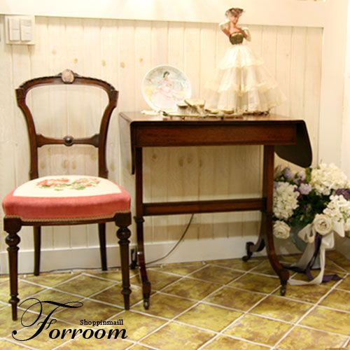 Victorian Table by Forroom market. At shop.forroom.com If you would like to purchase this goods, click the website of forroom market at above