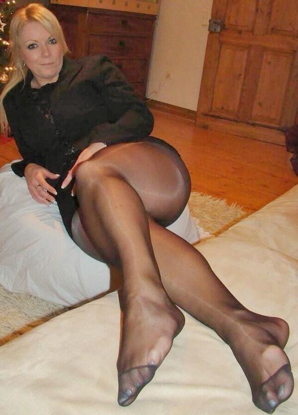 44ed86a1c75 Older women wearing nylon stockings fetish - Other - XXX Pics