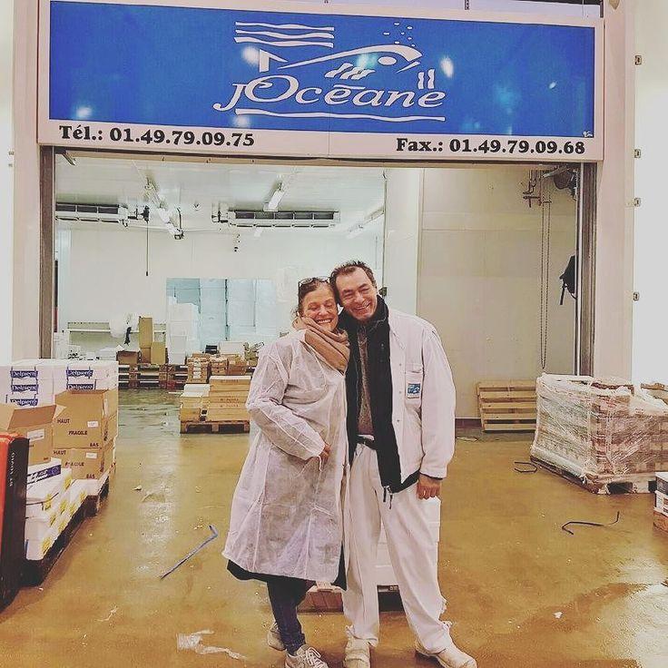 Nova est au marché de Rungis ce matin en compagnie de Fifi notre fidèle compagnon de la Marée.  #joceane  #noel  #marché  #rungis  #préparatifs