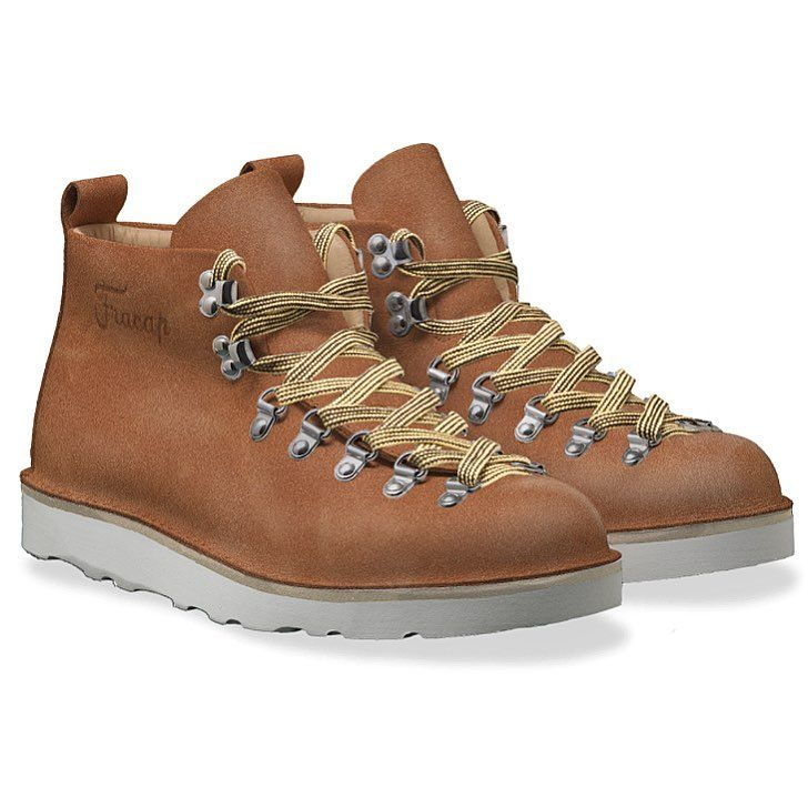 On www.fracap.it you can design your own boots.  PayPal accepted, we deliver worldwide. Man and woman sizes.  #fracap #handcrafted #madeinitaly #handmade #boots #sneakers #musthave #fashion #beautiful #flykicks #fashion #shopping #igsneakercommunity #instagood #instakicks #instashoes #kickstagram #nicekicks #photooftheday #shoegasm #shoeporn #shoes #sneaker #sneakerfiend #sneakerhead #sneakers #winter #customized #ootd #ootdfashion #spring