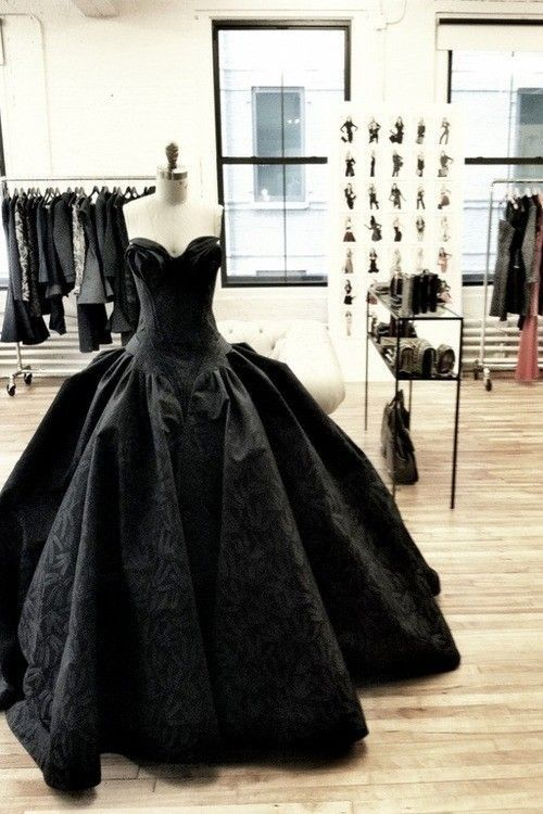 Zac Posen Love. Black dress. Prom. Sweetheart neckline. Ball gown. Princess gown. All black. LBD. Little Black Dress.