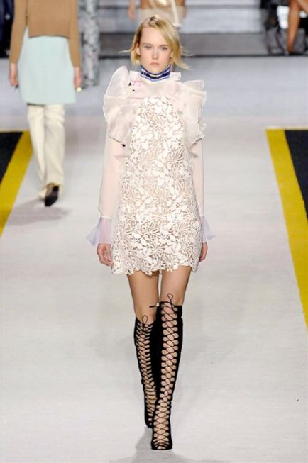 Paris Fashion Week FW 2015-2016 Giambattista Valli #Paris #catwalk #silkgiftmilan #fashion