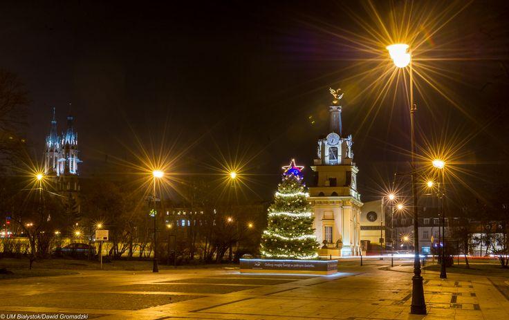 Świąteczny Białystok :) #BramaWjazdowa #noc #choinka fot. Dawid Gromadzki
