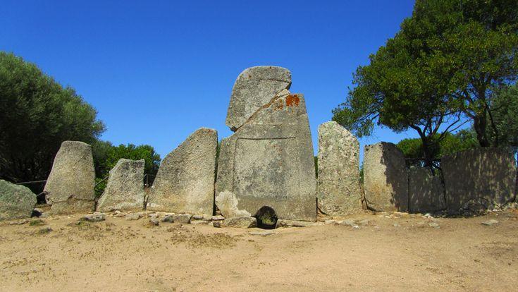 Arzachena-Tomba-Giganti-1