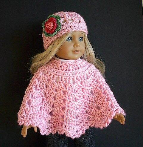 Bonito conjunto de poncho y gorro de ganchillo para muñecas