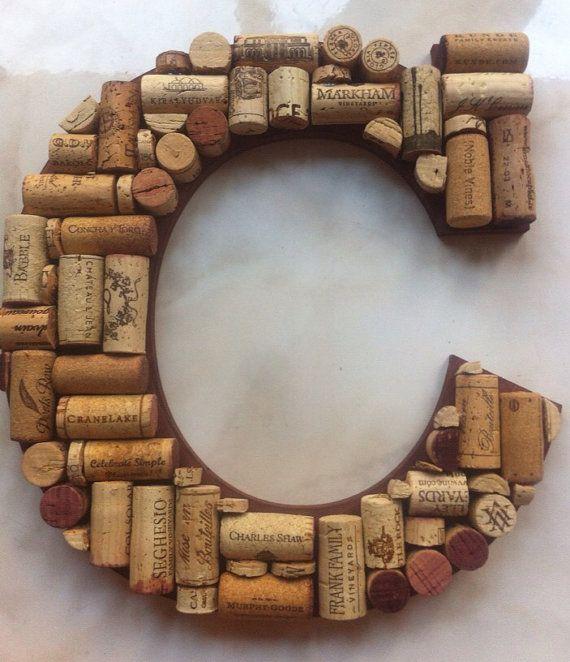 Lettre personnalisée bouchons en liège A-Z par WineNotGiftsandDecor