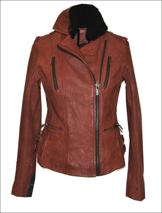 Γυναικείο δερμάτινο μπουφάν  με προσθαφαιρούμενο γούνινο γιακά Μοντέλο: MINNIE Δέρμα: nappa vintage washed Τιμή: 390€
