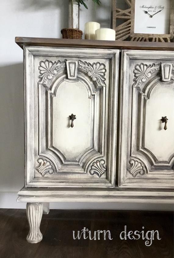 Vendu Vendu Gris Et Blanc Peint Buffet Buffet Etsy Relooking De Mobilier Mobilier De Salon Decoration Meuble