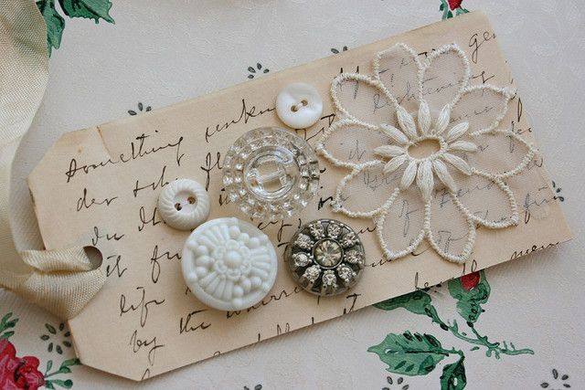 Vintage Buttons make a gorgeous tag