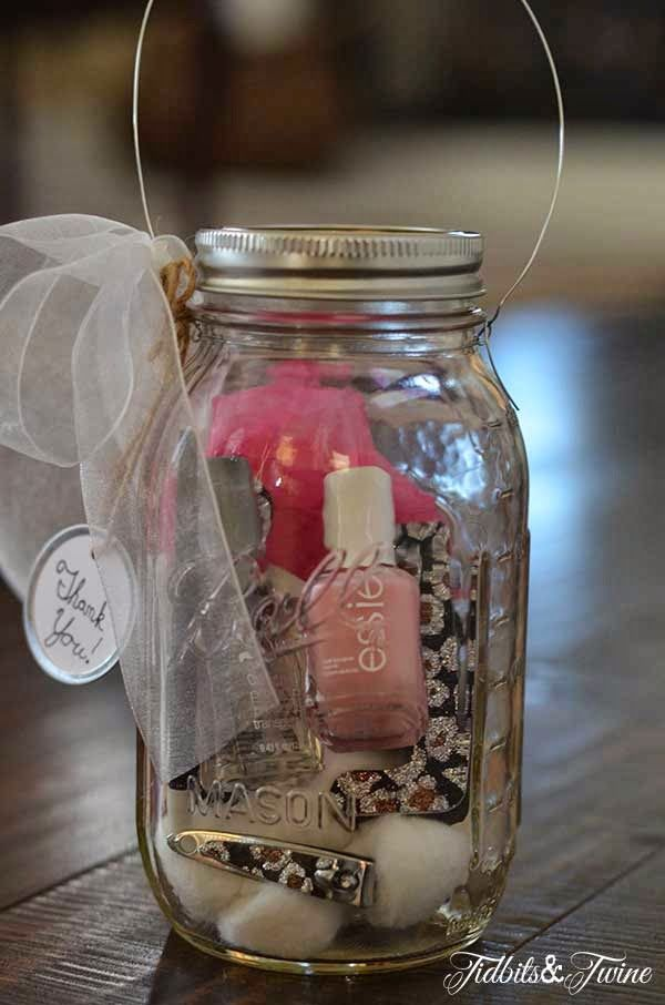 2 Girls, 1 Year, 730 Moments to Share: Mason Jar Gifts!