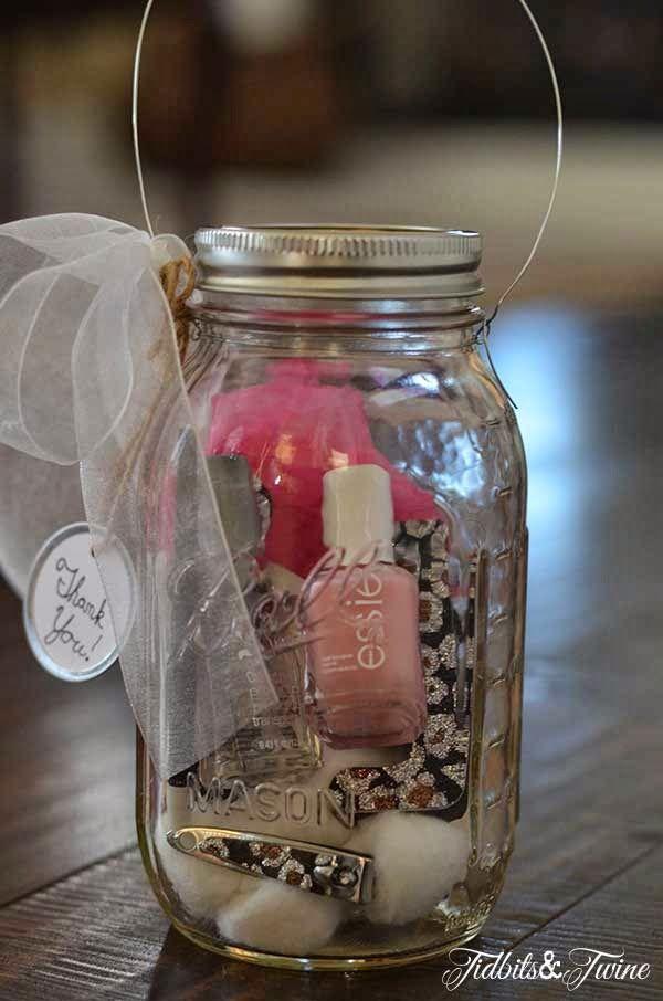2 Girls, 1 Year, 730 Moments to Share: Mason Jar Gifts!