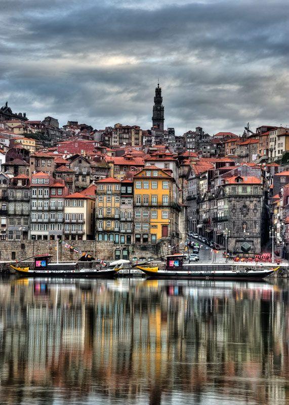 Porto olhando o Rio Douro.