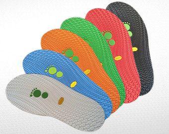 ENIGE: Rubber zolen voor vrouwen winter voelde schoenen zwarte zolen Gevilte schoeisel. Womens enige hak winter laarzen  Deze rubber zolen zijn perfect voor vilt winter Damesschoenen. Ze zijn diep en het helpt om te houden van de vorm van vilten laarzen. Ze hebben een hoge randen, zodat laarzen kan worden gestikt niet alleen vastgelijmd aan de zolen. Deze rubber zolen zeer sterk en waterdicht met een zeer goede grip. Alleen de hoge kwaliteit tong die uw project verdient!  GROOTTE VS 7…