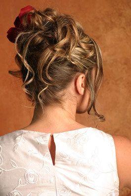 Opgestoken bruidskapsels - deel 6 | Bruidskapsel.nl | Bruidskapsel, bruidskapsels, bruidskappers, bruidskaper, haar bruid, kort bruidskapsel...