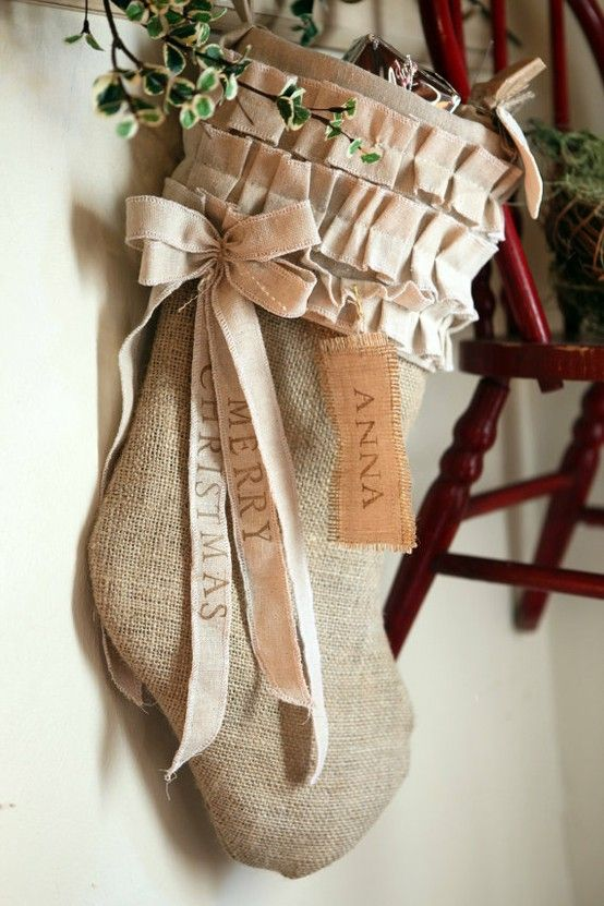 Burlap stocking. Not sure I could make this with my hot glue gun and limited sewing skills, but I could try!