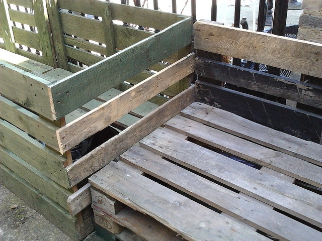 Pallet Upcycling | Hearthsteading | Pinterest
