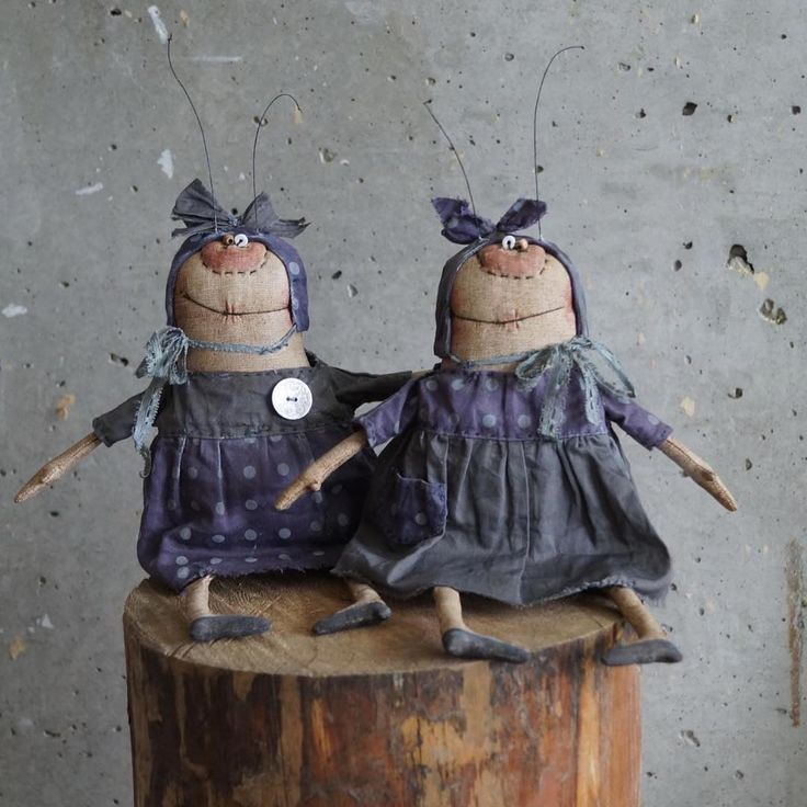 Тру-ля-ля и трулялийная сестра Тра- ля-ля )))) весенние мухи ))) Резерв !!#моинаивныепримитивы #муха #наив #примитив #единственныйэкземпляр #кукла #авторскаякукла